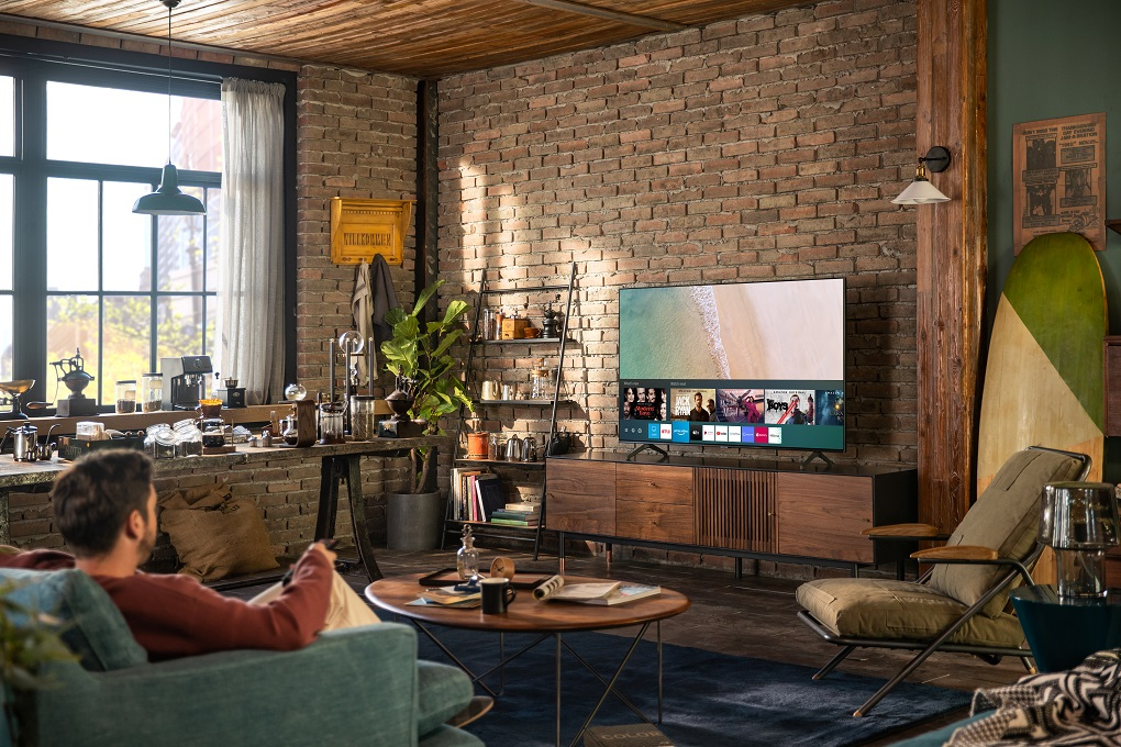 Experience asmarter viewing experience with Samsung's NEWTU8000 Crystal UHD TVs